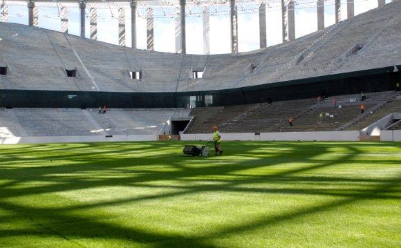 Почти две тысячи кресел уже установлено на стадионе «Нижний